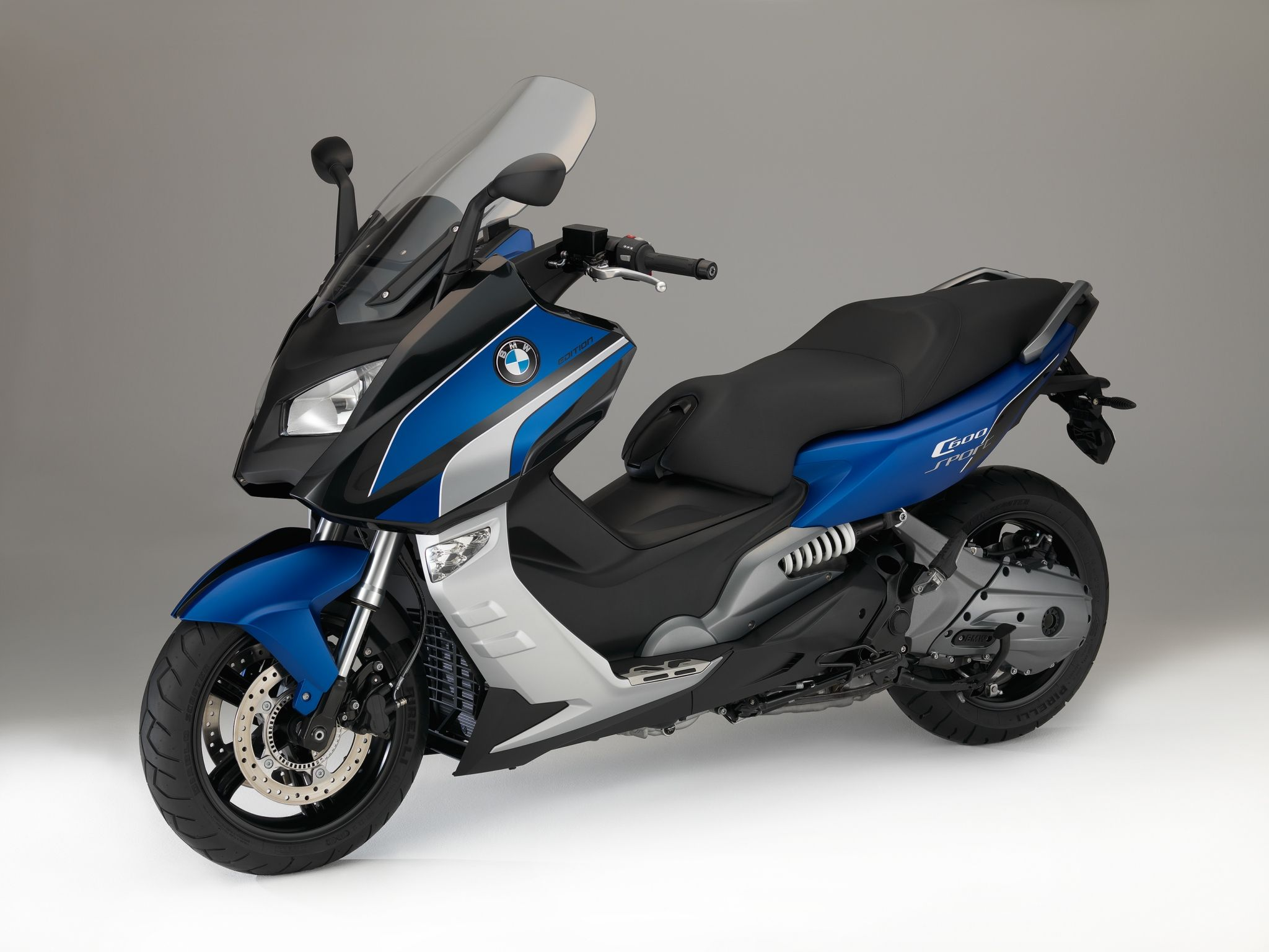 2015-bmw-c 600-sport-and-c 650 gt-special-edition-maxi-scooters