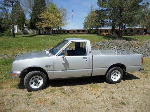 33k-Mile 1981 Isuzu Diesel Pick-Up | Stuff of my childhood