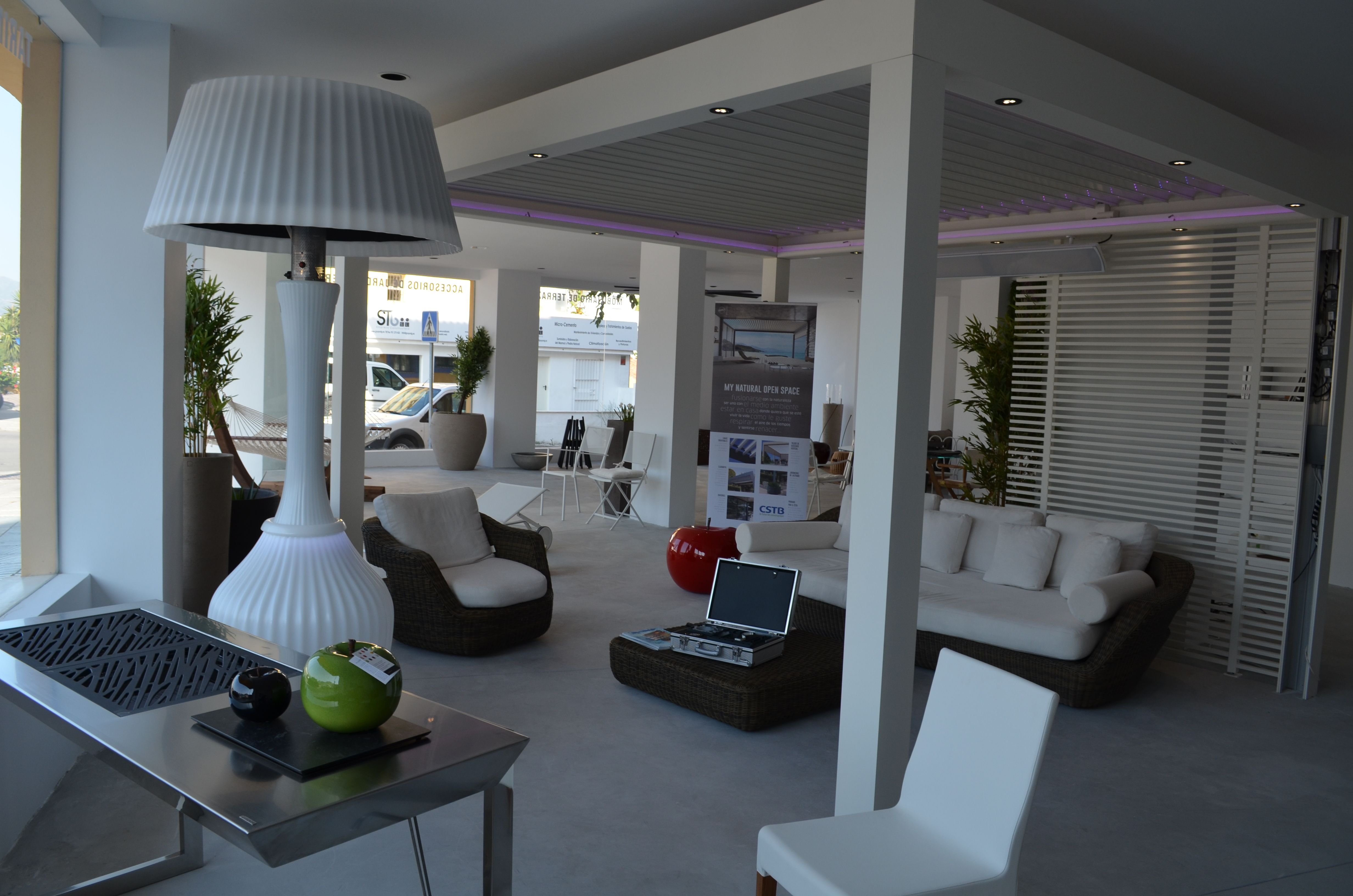 Showroom Outdoor Concepts En San Pedro De Alc Ntara P Rgola  # Muebles Jade Cali