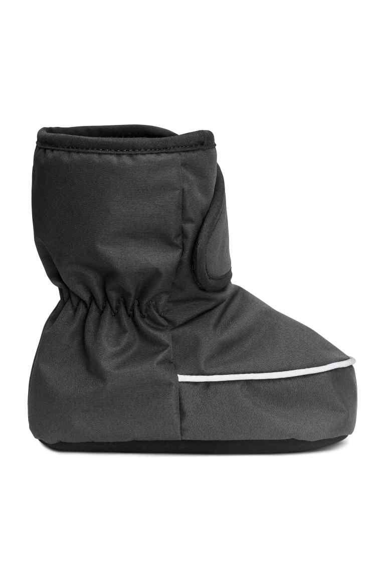 3cbc20d5d3ca Puha téli csizma   H&M   Babahordozás   Adidas sneakers, Winter ...