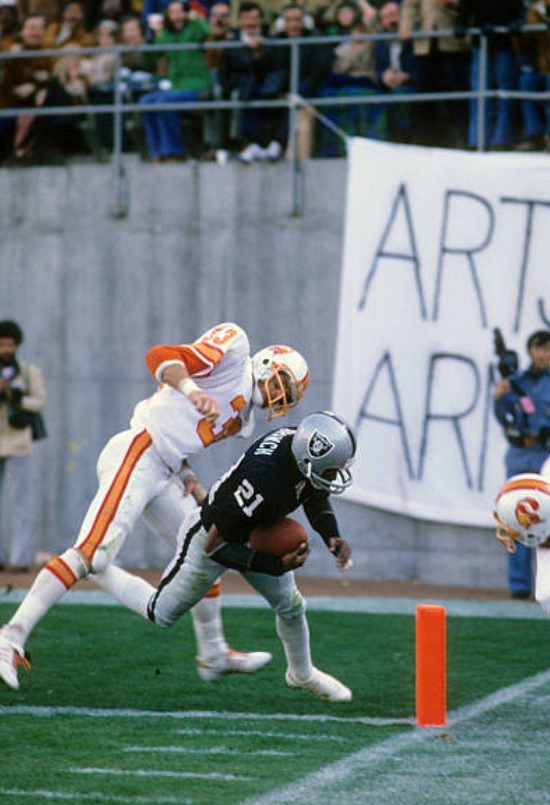 1976 Buccaneers At Raiders Nfl Players Nfl Uniforms Football Cheerleaders