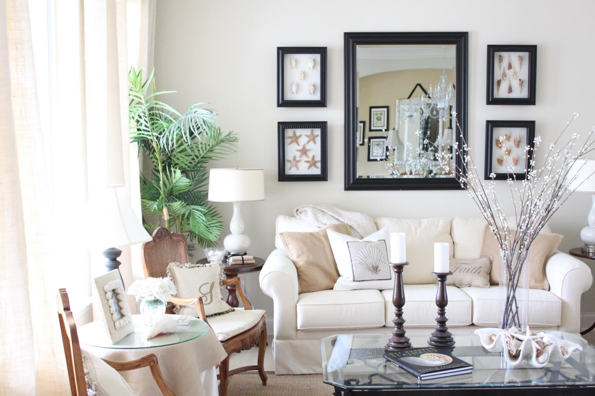100 How to Decorate My Small Living