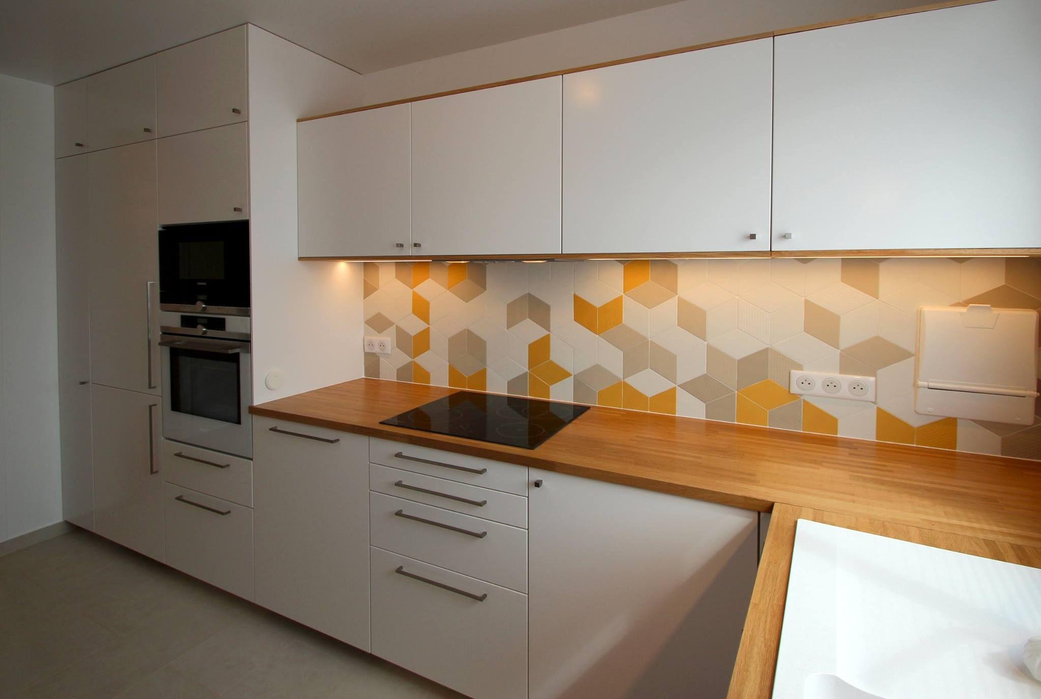 plan de travail en ch ne massif sur mesure sur parquet. Black Bedroom Furniture Sets. Home Design Ideas