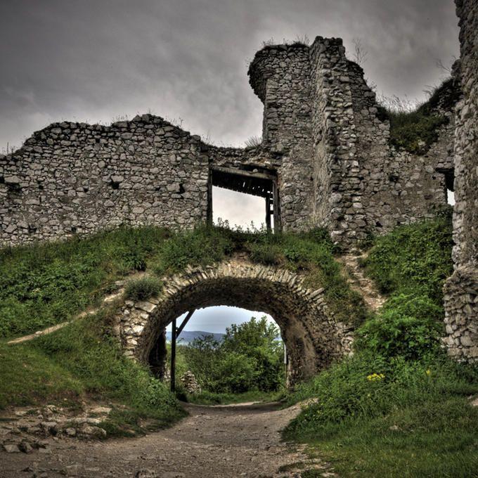 Entry Gate Of The Ruins Of Photo By Photographer Clark Gray Elizabeth Bathory Bathory Castle