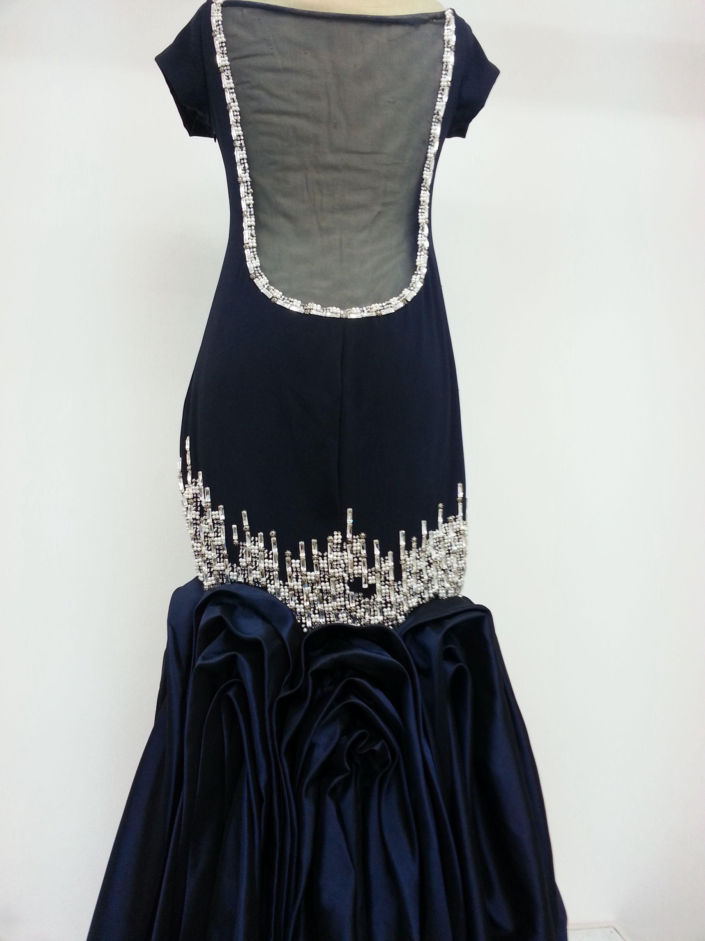 شمعة الجزيرة للازياء الرياض 0504407092 فساتين سهرة كحلي و فضي فستان Dresses