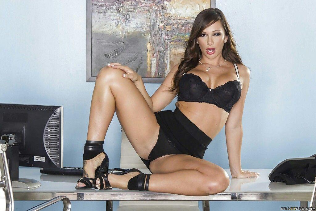 sexy nude women ass