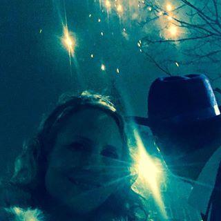 Elektronista: Havde en af de bedste nytårsaftener i årevis! @ansoesp verdens bedste vært, @anneguldlarsen leverede delikate vagtelæg, @marklinn verdens bedste bordherre og @geocomedy en ganske særlig gentleman der forevigede mig og min smukke kjole på sin instakonto  Damn ❤️ you all! #godtnytår #venner #fest #nytår #godmad