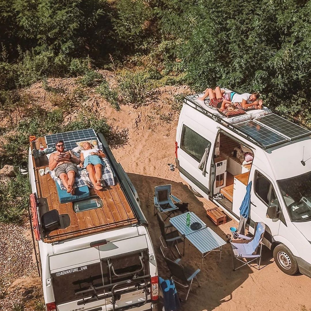 7 065 Likes 105 Comments Vanlife Living Vanlife Living On Instagram What S Your Favorite Time Of The Year Follo Van Life Van Life Diy Campervan Life