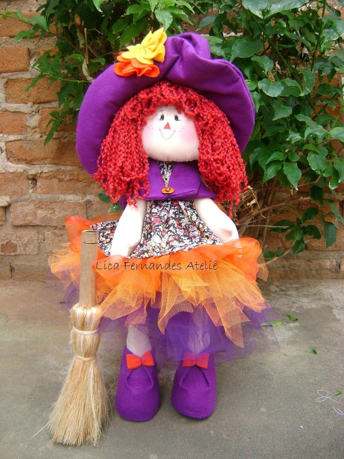 Lica Fernandes Ateliê: Boneca Bruxinha  Boneca de pano bruxa , que fica em pé.