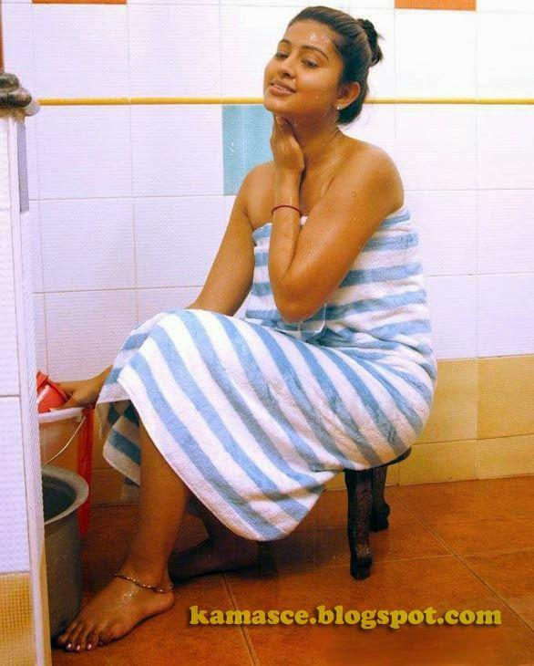 Kama Scenes Actress Sneha Hot Bathroom Towel Scene