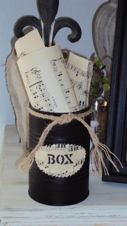 bo te de conserve in black decor ideas tin can crafts painted jars et decoupage. Black Bedroom Furniture Sets. Home Design Ideas
