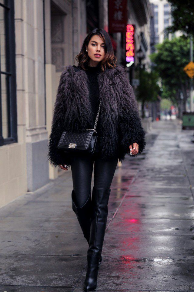 b8d7a68079e Over-Knee Boots Contribute to Effortless Chic Outfits