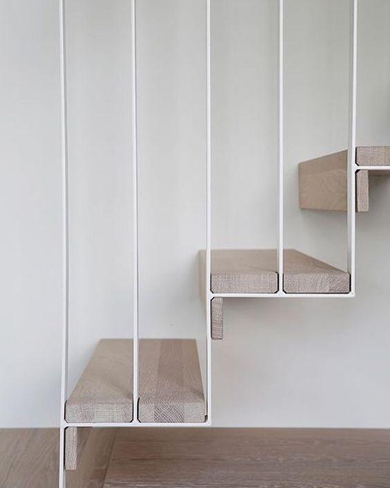Best Minimal Simple Stairway Design White Steel Frame And Wood 400 x 300