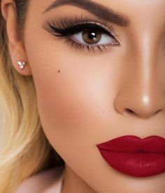 10 Wedding Makeup Looks To Wear On The Big Day - S
