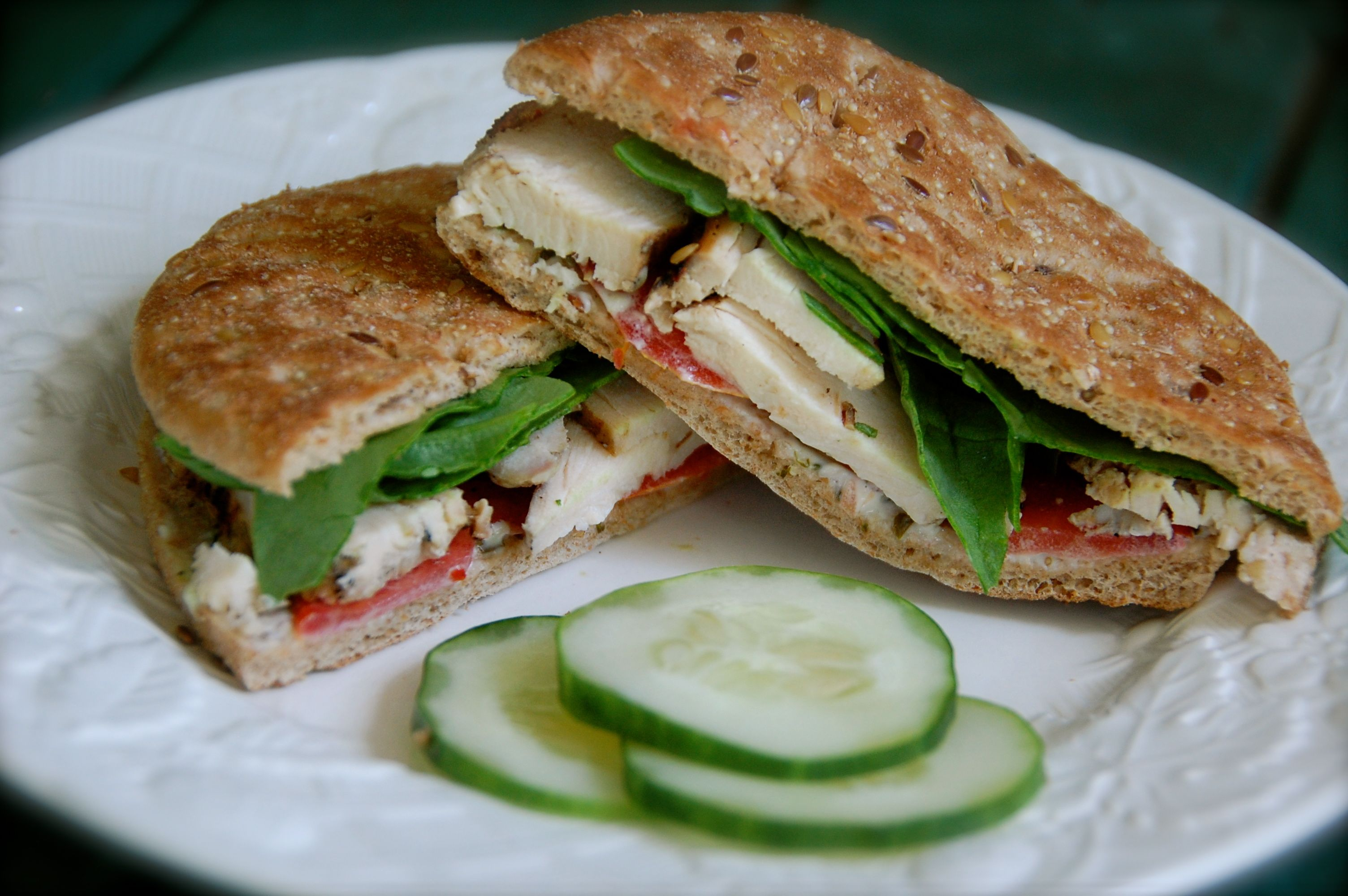 Basil and grilled chicken sandwich arnold 100 calorie