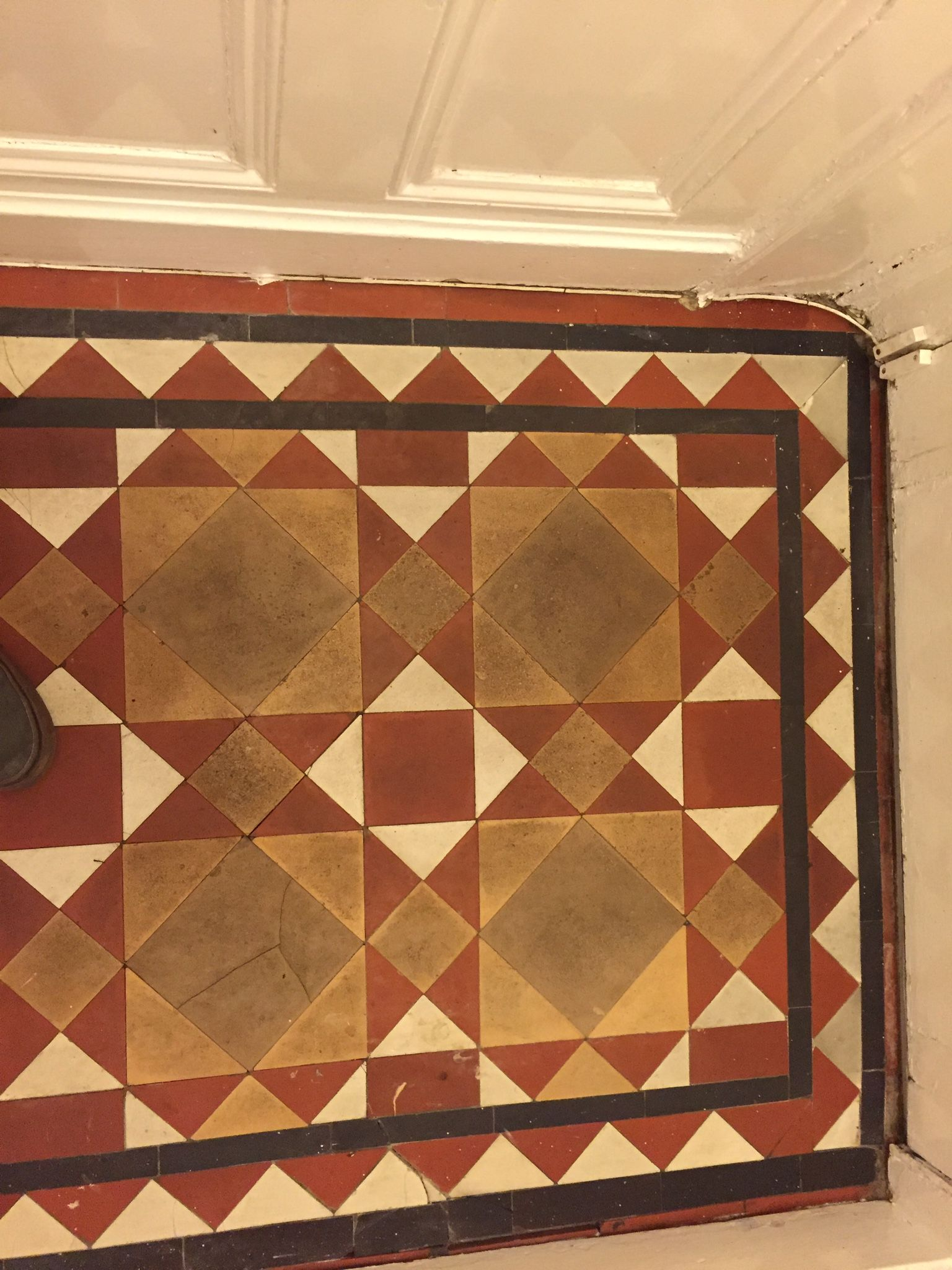 Original victorian mosaic tiled floor rear entrance hall steam original victorian mosaic tiled floor rear entrance hall steam cleaned ready for dailygadgetfo Images