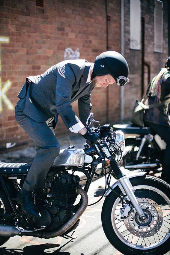 Cafe Racer Gentleman S Essentials Cafe Racer Cafe Racer Bikes Cafe Racer Motorcycle