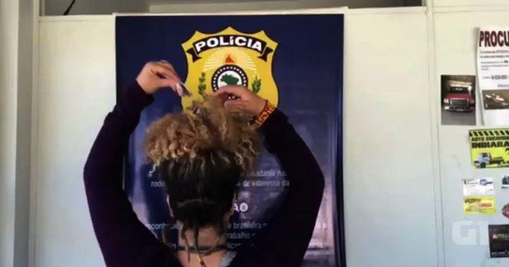 @g1goias : PRF prende jovem transportando drogas escondidas no cabelo; vídeo https://t.co/TVaMyd8lHr (via Twitter http://twitter.com/g1goias/status/754747151691939840) #Goias #Raynniere #Makepeace