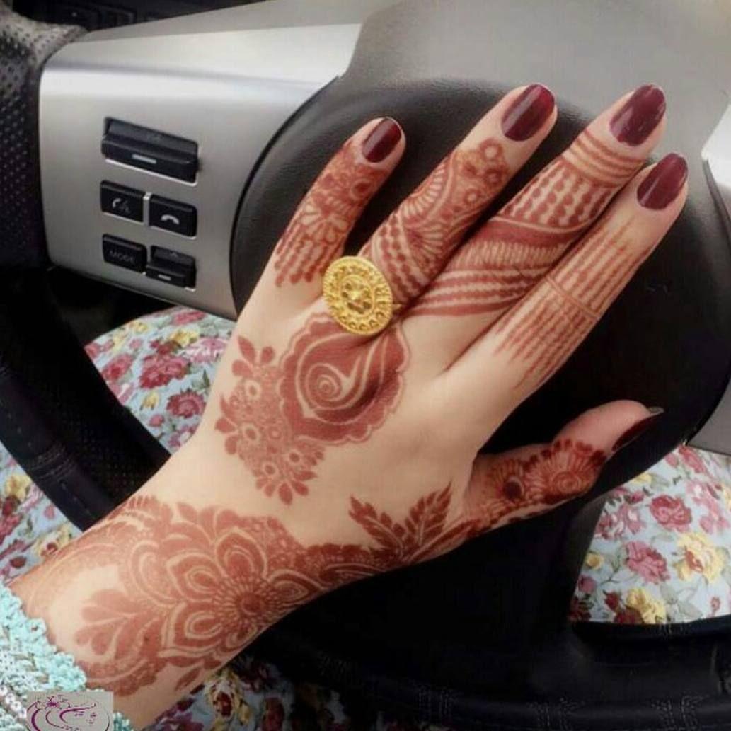 الله یسعد من حط لایک Mahiramohsin اكتبي اسم من اسماء الله الحسنى لعل الله يفرج به همك بنات عندها مسابقات اسبوعية جوايزها Henna Hand Tattoo Hand Henna Henna