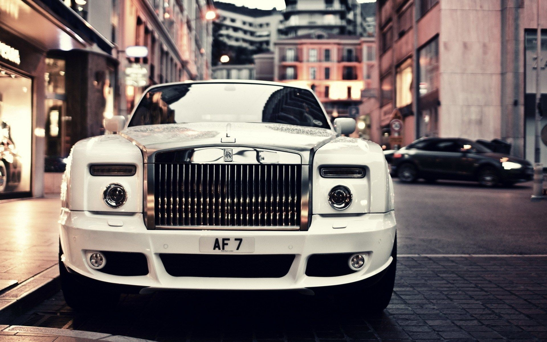 2014 Rolls Royce Ghost Is Small Refined And Elegant