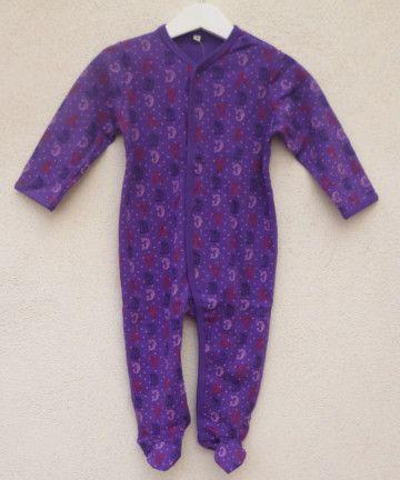 Pijama morado de letras