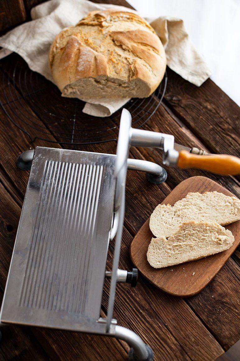 Joghurt Brot Rezept Brot Backen Im Topf Kruste Rezept Brot Backen Brot Backen Rezept Einfach Brot Rezept