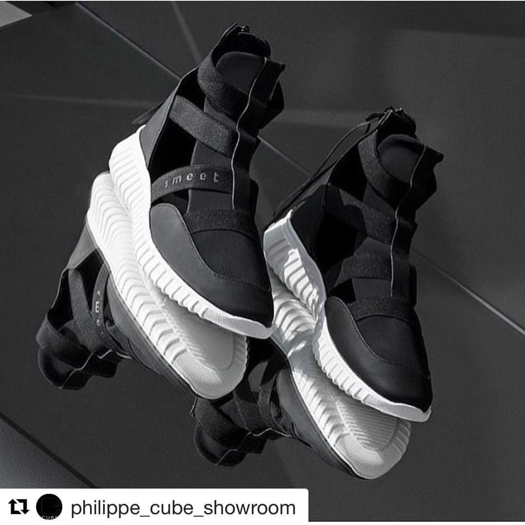 new concept 400ca 85650 Travel into Smeet World sur Instagram   SMEET at CUBE Showroom Le Marais in  Paris from 2nd March to 8th March -contact    philippe cube showroom ...