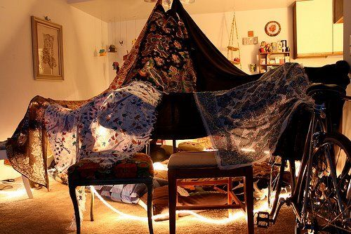 Pin By Tinna Myndir On Heima Blanket Fort Just Girly Things Build A Fort