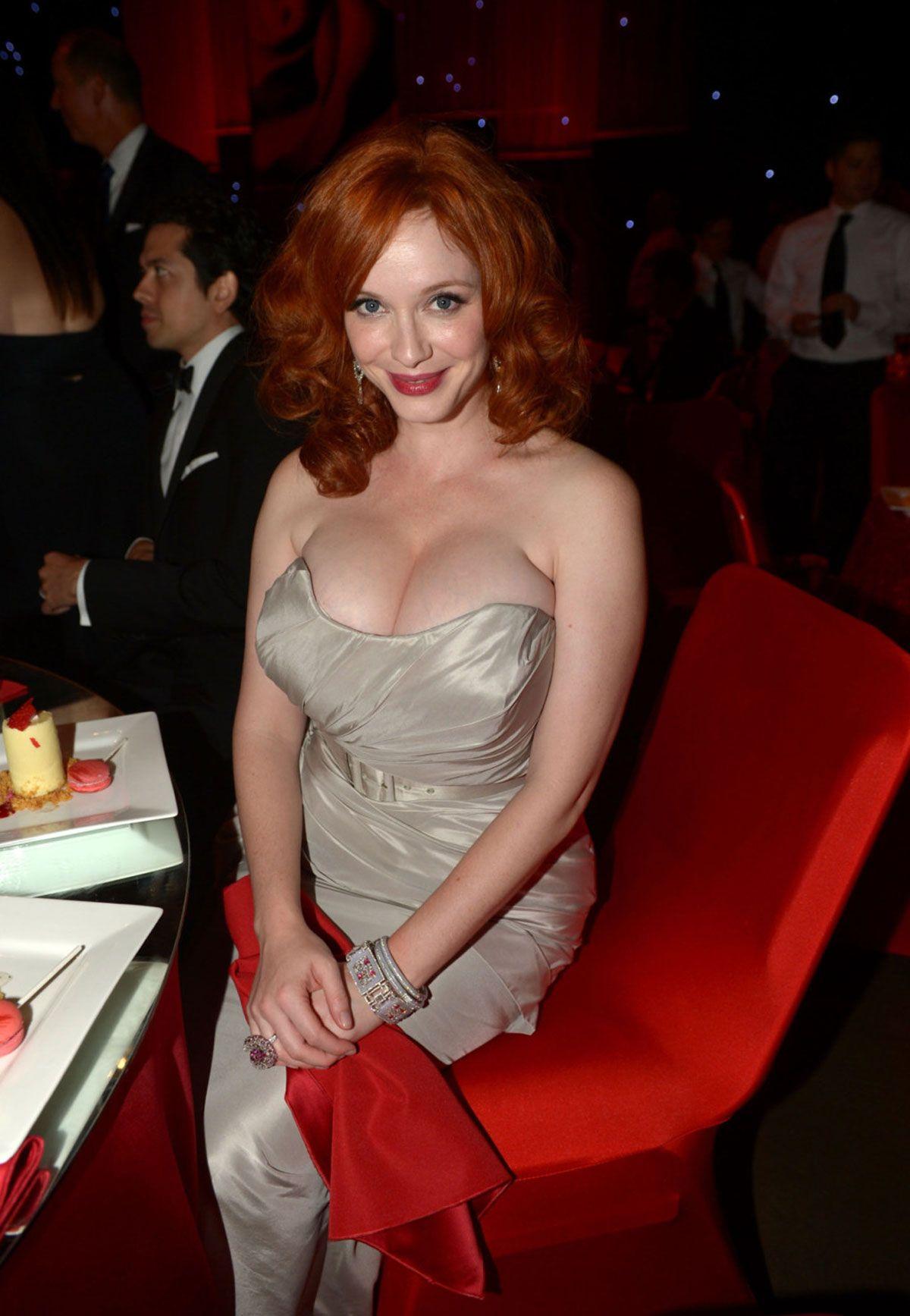 Christina hendricks boob size