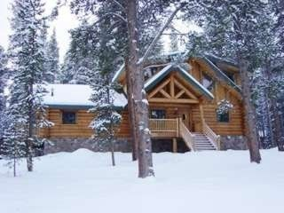 montana rentals the somers bay log christmas cabins of lodging at picture cabin locationphotodirectlink