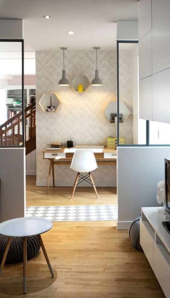 Un bureau lumineux au style scandinave et industriel office