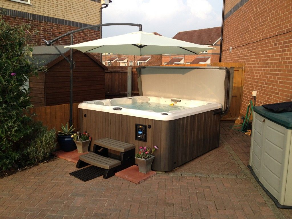 Jacuzzi Hot Tub Reviews With A Beautiful View : Murphy Jacuzzi Hot ...