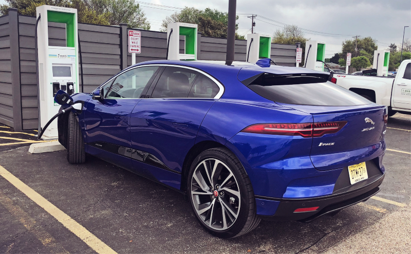 The Jaguar I Pace The Right Car For The City The Wrong Car For The Apocalypse Jaguar Suv Jaguar Sport Good Looking Cars