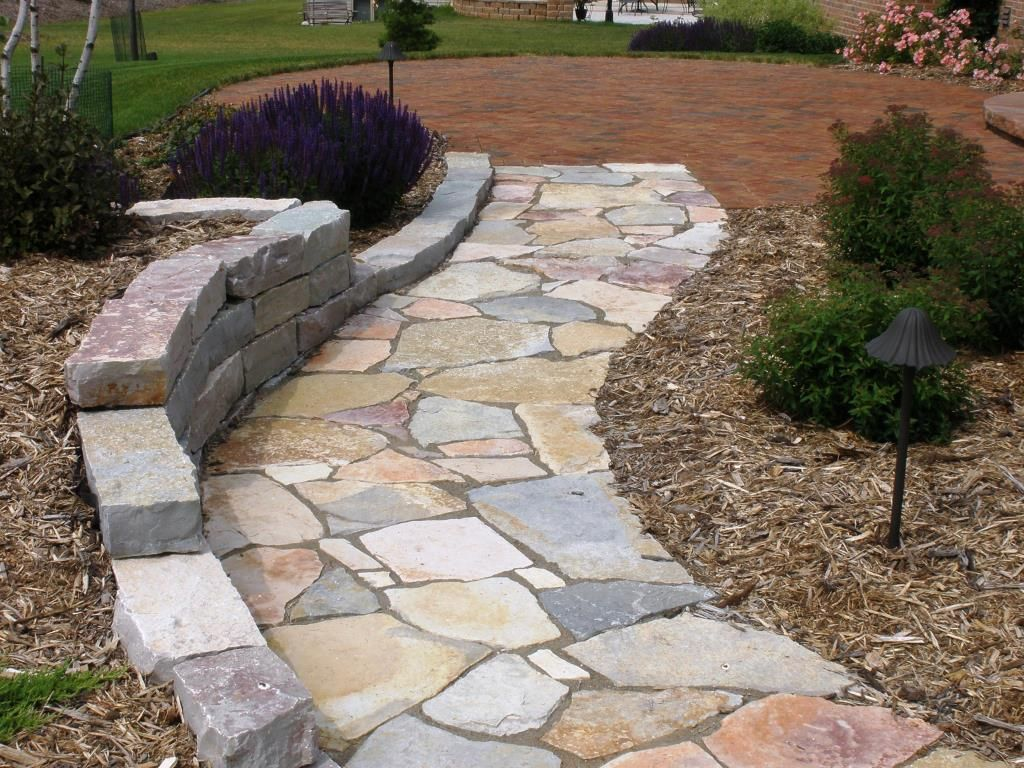 Stone garden paths stepping stone paths lanscape paths for Landscaping ideas stone path