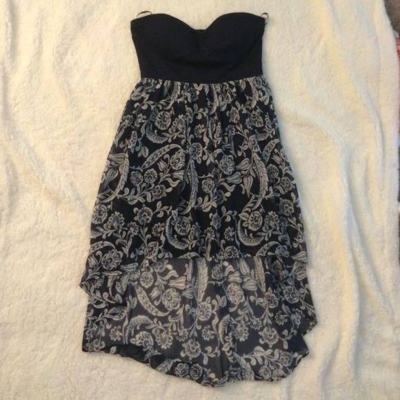 Simple strapless high low Only worn once. Very flattering and pretty. Forever 21 Dresses High Low