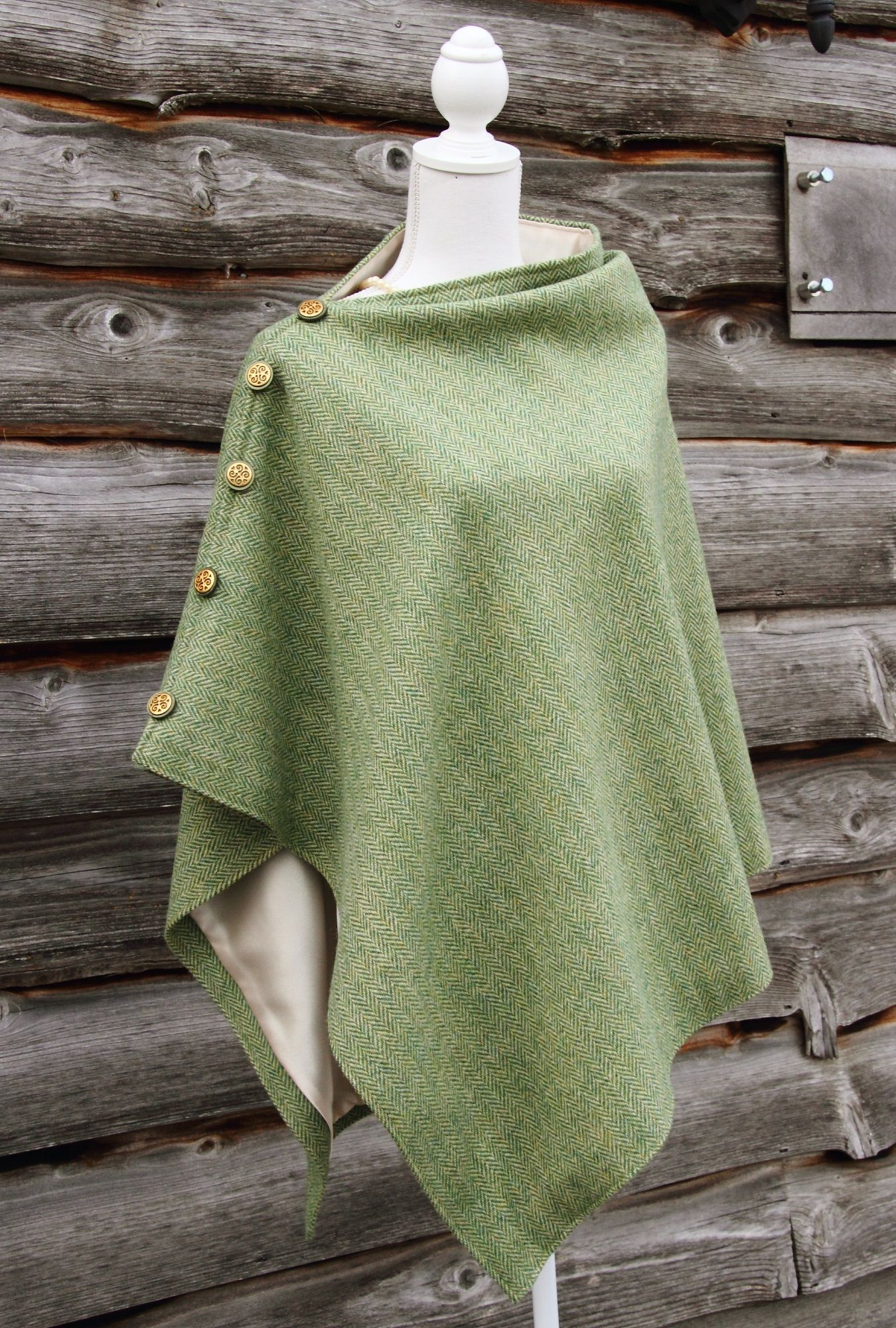 57bcb259b08c56 harris tweed cape - Google Search | Tweeds | Sewing clothes, Harris ...