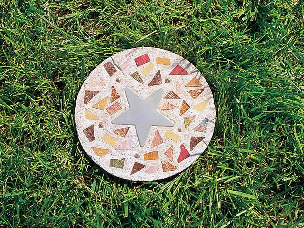 How to Make Steppingstones : Outdoors : Home & Garden Television