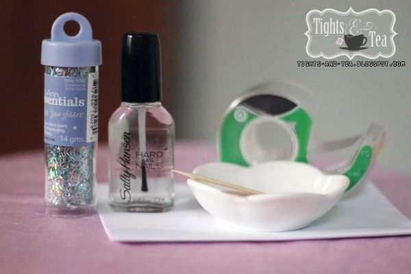 DIY Glitter Nail Tutorial - all you need is glitter and a clear polish