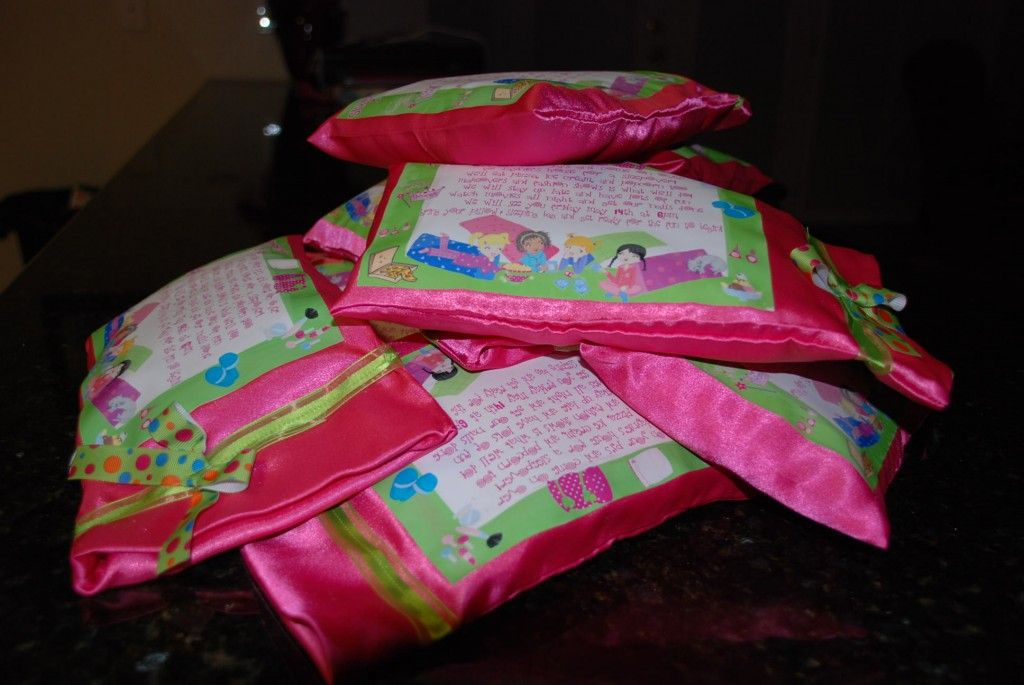 Girl\'s Slumber Party PILLOW INVITATIONS!!!!! O. M. G. | LeT\'s ...