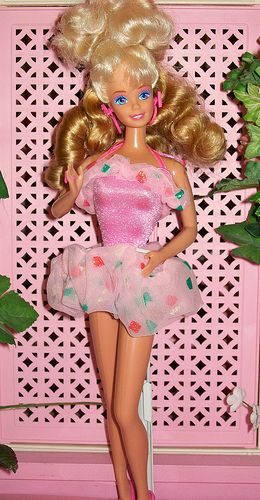 1988 Style Magic Barbie. I remember this...the skirt was a scrunchie!