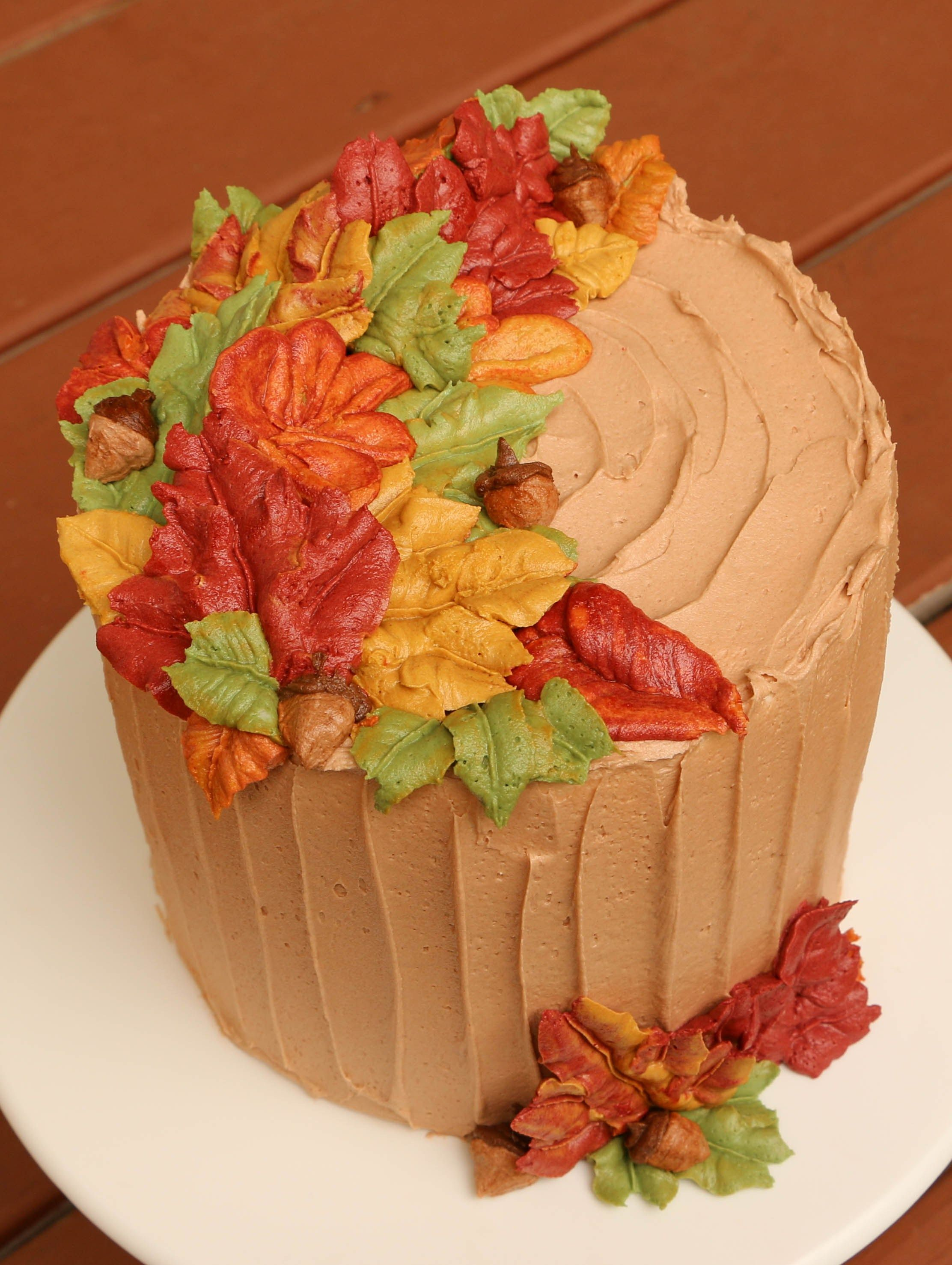 Piped Buttercream Fall Leaves dessert case cakes Pinterest - Halloween Cake Decorating Ideas