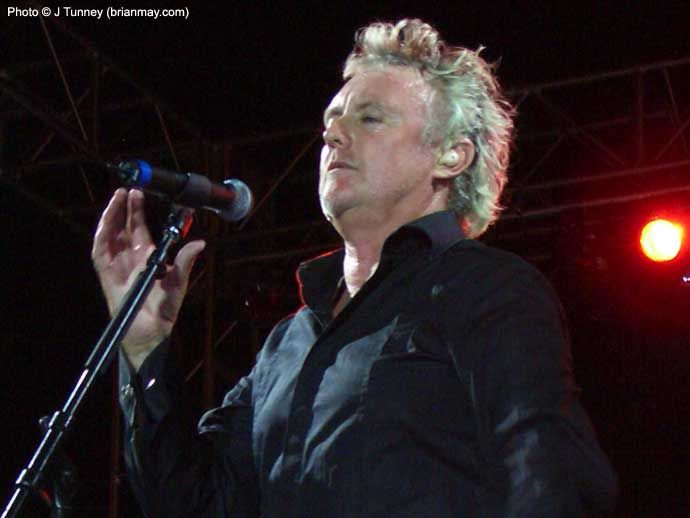 Google Image Result for http://www.brianmay.com/queen/queennews/newspix/06/RogerTaylor_WWRYVegasPremierParty.jpg