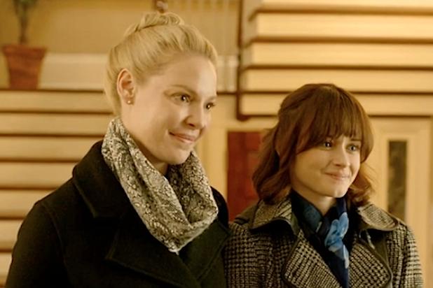 Katherine Heigl Alexis Bledel Get Married In Jenny S Wedding Alexis Bledel Gilmore Girls Cast Bledel