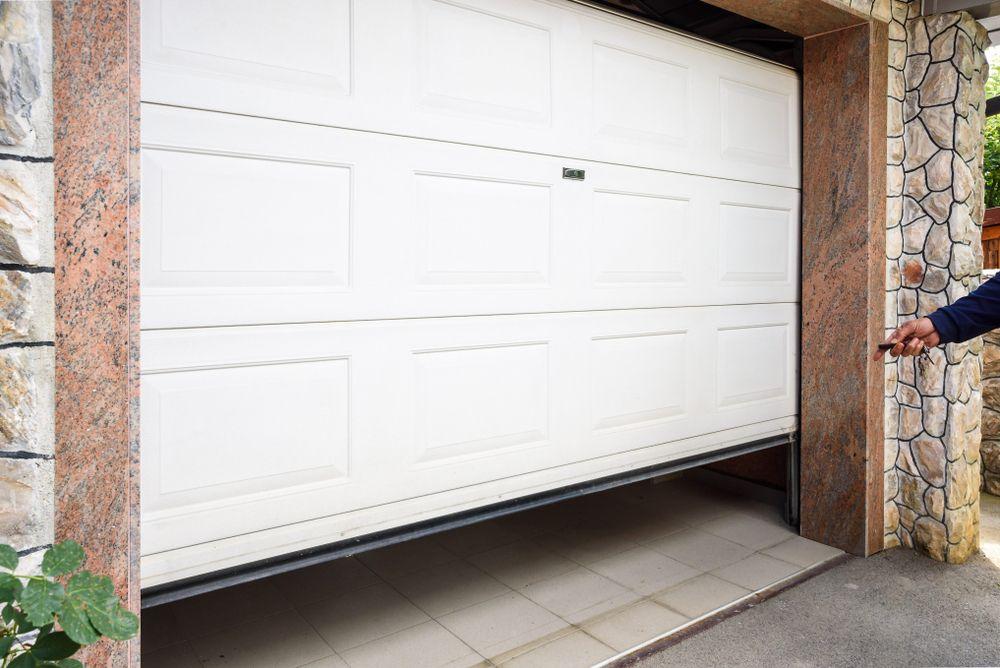 Right Here In 2020 Garage Door Installation Garage Doors Door Repair