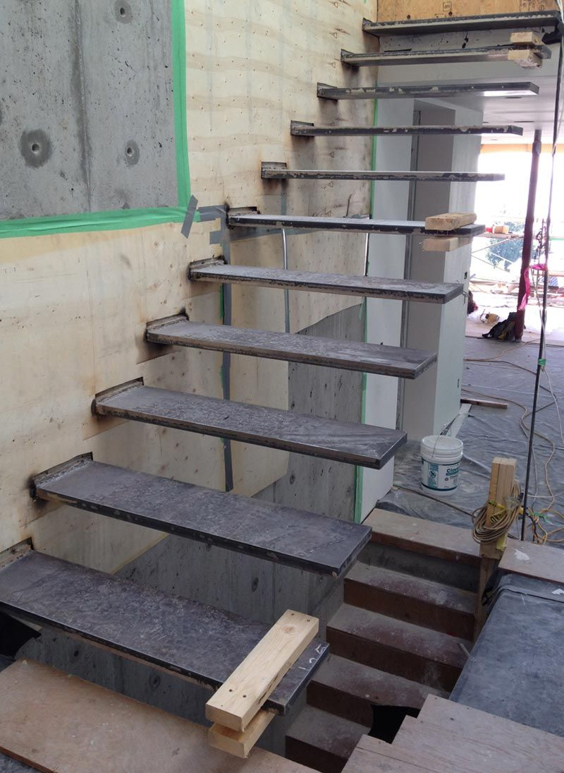 Merveilleux CANTILEVERED STEEL STAIR