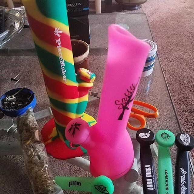 www.waxmaidstore.com  bongs,silicone water pipes,hot sale 420 products,glow in the dark,cannabis,weed killer,dab rig,kush. #waxmaid #siliconebong #magneto #bong