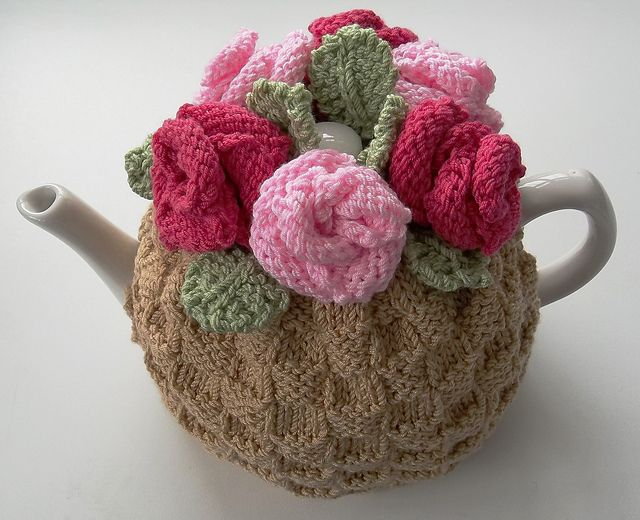 tea rose tea cosy pattern by audrey wilson tricot. Black Bedroom Furniture Sets. Home Design Ideas