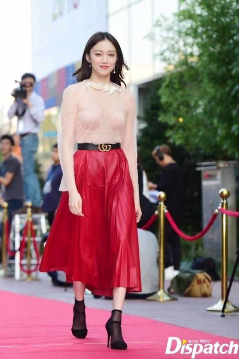 Top 10 Most Revealing Red Carpet Dresses Worn By Korean Stars Koreaboo Korean Fashion Kpop Inspired Outfits Korean Fashion Dress Red Carpet Dresses