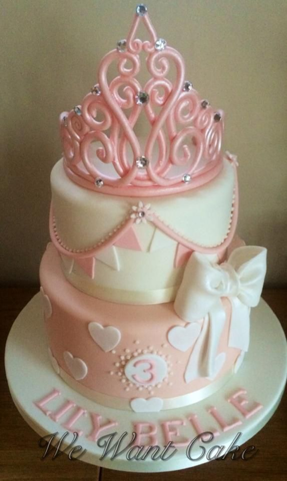 https://www.facebook.com/WeWantCake.EmmaProcopiou/photos/pb.160956747214.-2207520000.1417169985./10152377643537215/?type=3