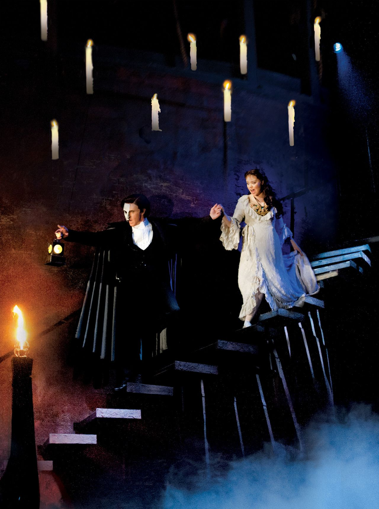Earl Carpenter And Katie Hall In The Uk Tour Of Phantom Of The